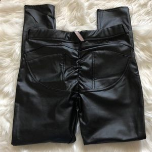 Pants - Faux Leather Shaping Push Up Legging